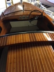 1950 Chris Craft Special Runabout 17', stern to bow deck view