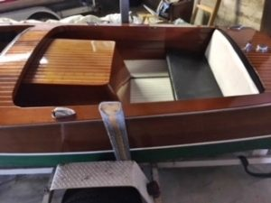 1950 Chris Craft Special Runabout 17', stern cockpit and engine box