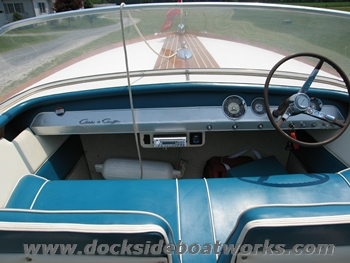 1964-chris-craft-super-sport-21-ft-forward-dash