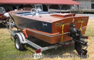 1969-17-ft-gravette-sunflash-stern