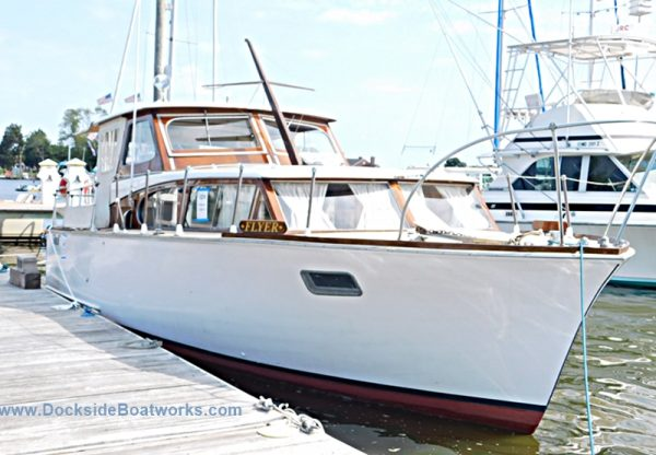 1960-richardson-31-ft-express-cruiser-for-sale