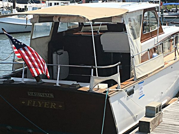 1960-richardson-31-ft-express-cruiser-for-sale-stern-view